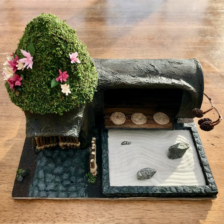 Model Zen Dojo. The roof was created using Finland Moss and handmade paper flowers.